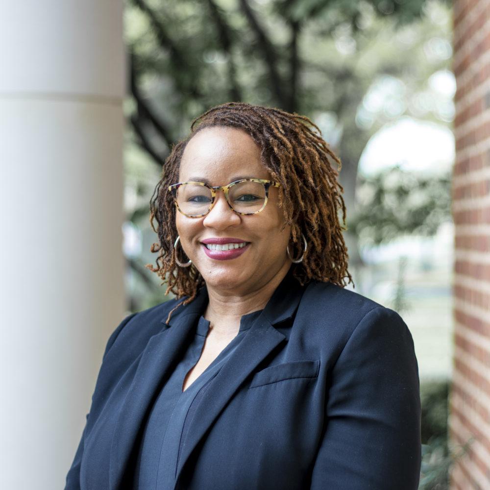 Meet Dr. Shonda Jones, Facilitator for Queer Clergywomen Thriving in the South
